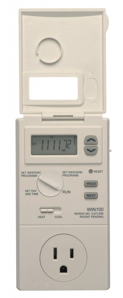 Lux WIN100 5-2 Day Heating and Cooling Programmable Outlet Thermostat